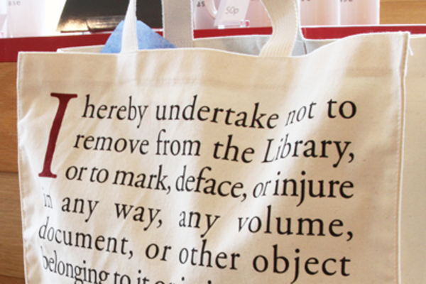 Image of Bodleian Libraries' tote bag with readers oath printed on it